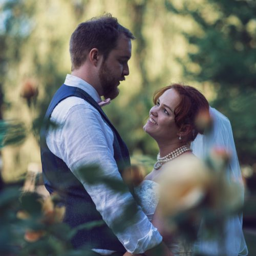 Natural bride and groom pictures