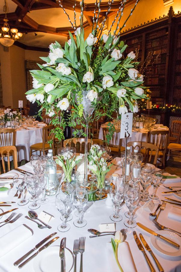 flower arrangement wedding table white roses