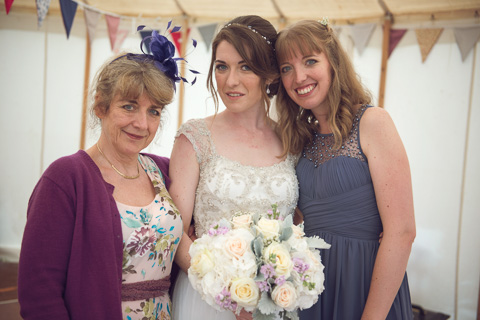 mother of bride and sister with bride