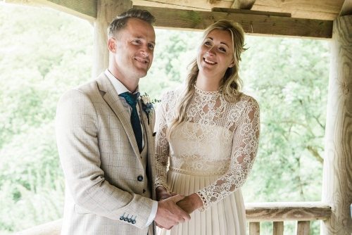 Couple getting married in treehouse